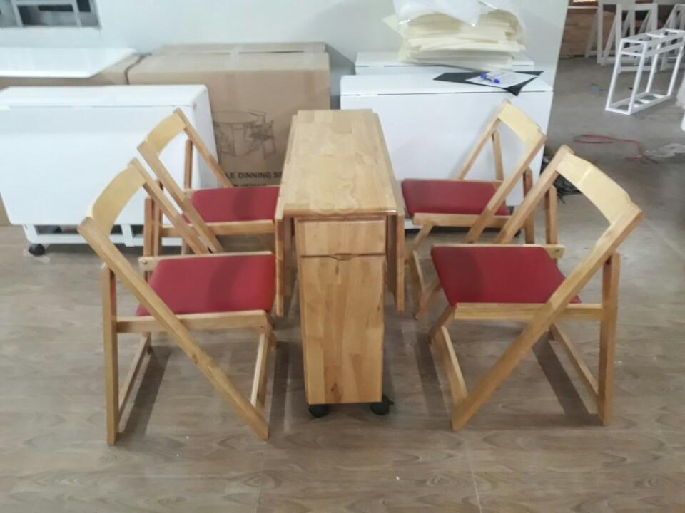 Bàn ăn xếp gọn hình chữ nhật 4 ghế Japan màu gỗ tự nhiên - ghế có nệm màu đỏ